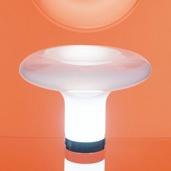 Lesbo bordslampa vitt rökfärgat glas Artemide Norrmalms Elektriska
