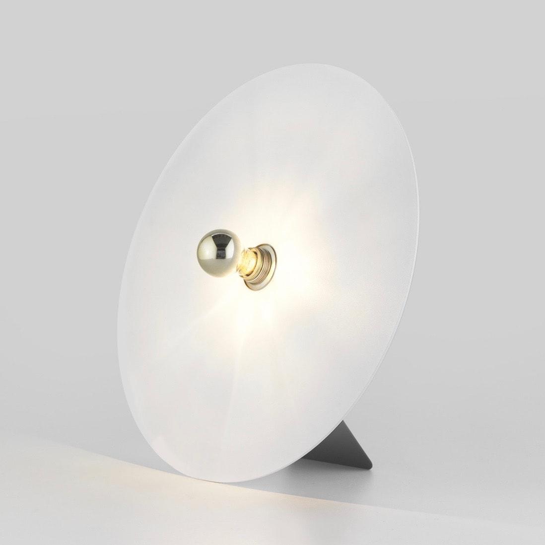 Lulu Ø50 bordslampa vit/svart