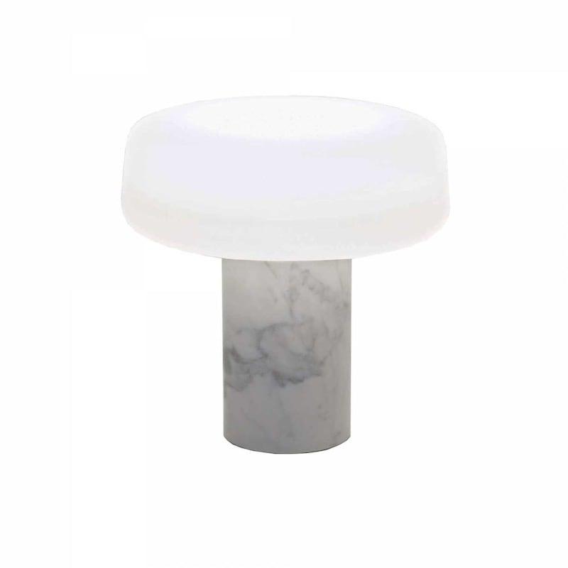 Solid bordslampa vit carrara marmor