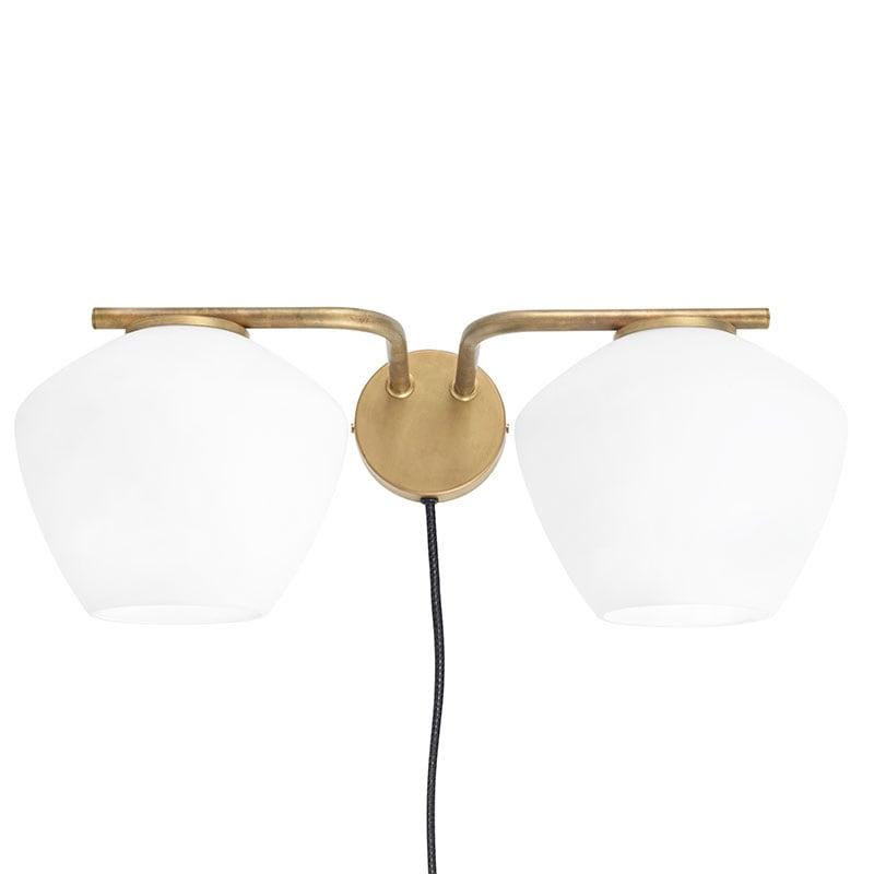 DK 2:A vägglampa råmässing/opalglas