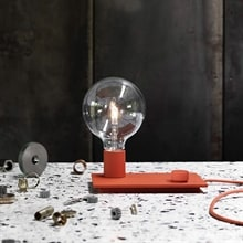 Control bordslampa dusty red